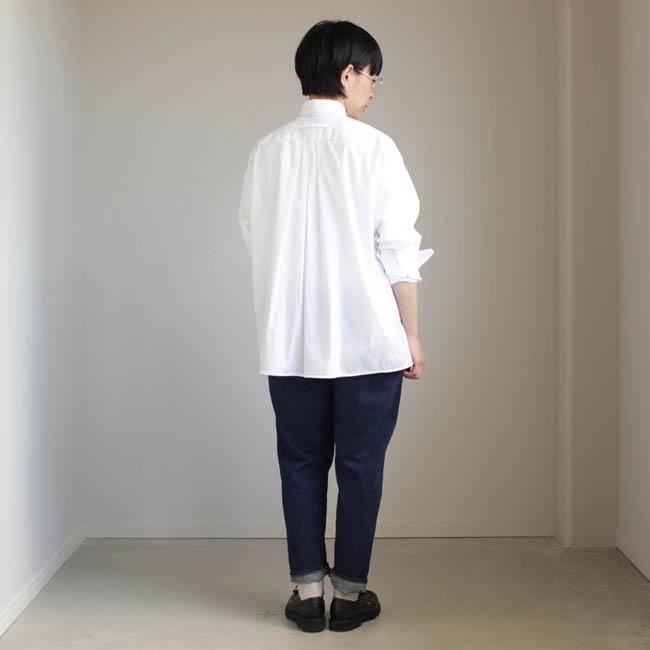 『TICCA』のシャツと、『YAECA』のジーンズと、いつものパラブーツ。