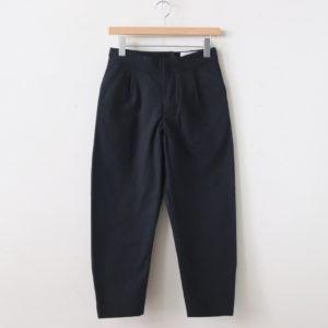 YAECA | ヤエカ [ TUCK PANTS #CHARCOAL [99665] ]