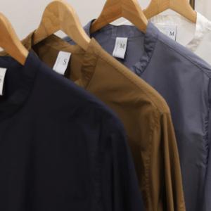 NO CONTROL AIR|NMCSH / コットン&フルダルポリエステル交織タイプライター マオカラーセミワイドシャツ